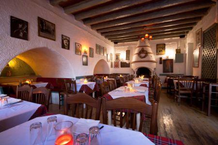 To-Palio-Tetradio-Mezedopolio---Restaurant-Plaka-006-(2)