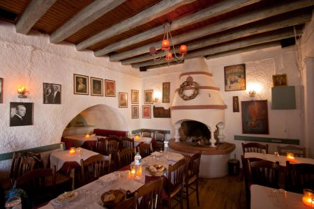 To-Palio-Tetradio-Mezedopolio---Restaurant-Plaka-021-(2)
