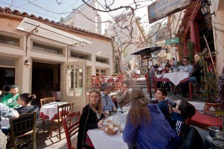 To-Palio-Tetradio-Mezedopolio---Restaurant-Plaka-023