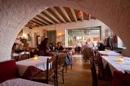 To-Palio-Tetradio-Mezedopolio---Restaurant-Plaka-049-(2)
