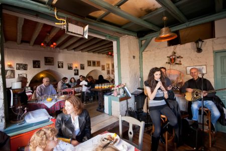 To-Palio-Tetradio-Mezedopolio---Restaurant-Plaka-094