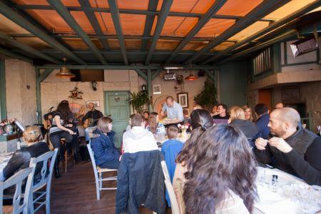 To-Palio-Tetradio-Mezedopolio---Restaurant-Plaka-096