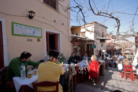 To-Palio-Tetradio-Mezedopolio---Restaurant-Plaka-010