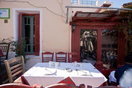 To-Palio-Tetradio-Mezedopolio---Restaurant-Plaka-016-(2)