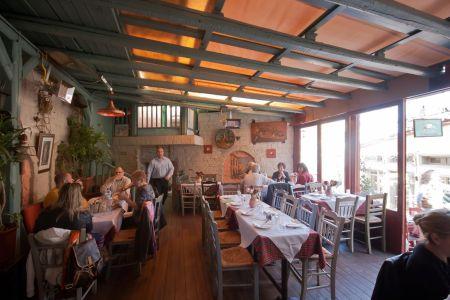 To-Palio-Tetradio-Mezedopolio---Restaurant-Plaka-020-(2)