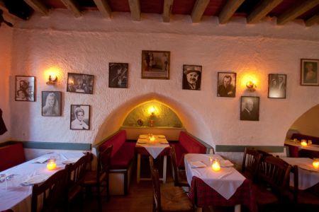 To-Palio-Tetradio-Mezedopolio---Restaurant-Plaka-020-(3)