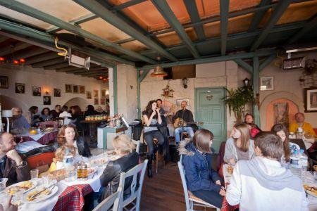 To-Palio-Tetradio-Mezedopolio---Restaurant-Plaka-095